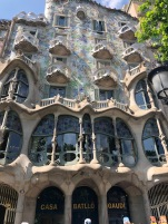 Casa Batllò- will have to make a return trip if I want to go inside. Queues for miles!