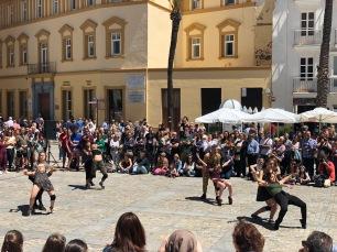 Spontaneous dance festival
